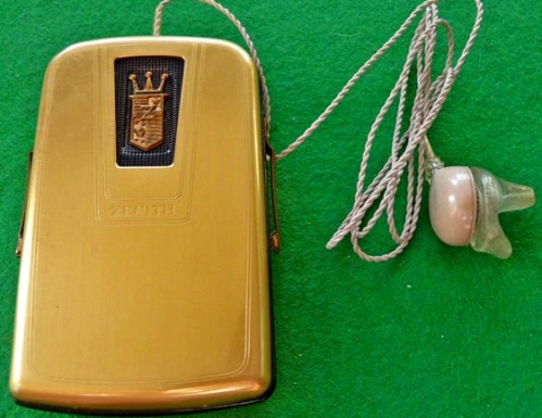 Zenith Miniature 75 Vacuum Tube Hearing Aid, Photo used by kind permission of HearingAidMuseum.com
